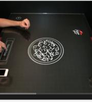 Il tavolo touch per creare e ordinare la tua pizza