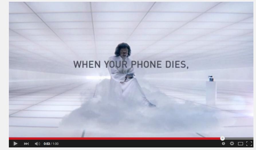 """Quando il tuo telefono muore: """"Dio"""" solo sa cosa possa accadere"""